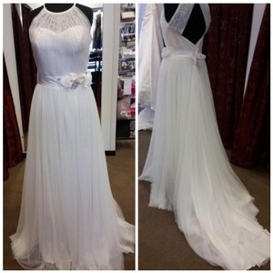 Alfred Angelo Ivory Soft Tulle Flowy High Neck Vintage Wedding Dress Size 4 (S)