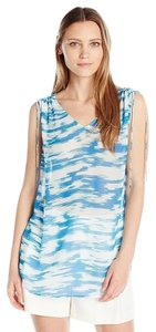 Vince Camuto Top blue and white