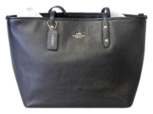 Coach City Zip Pebble Leather 37155m Tote in BLACK