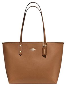 Coach Cityzip Tote in Saddle