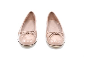 Gucci Leather Flat New nude Flats