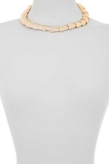 Steve Madden Steve Madden Multi-Triangle Textured Link Collar Necklace Gold