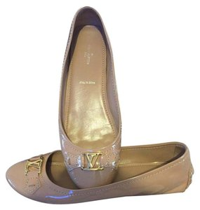 Louis Vuitton Pink/Beige Flats