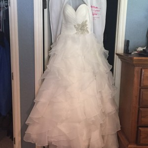 Allure Bridals Ivory Shiny Organza #8862 Formal Wedding Dress Size 4 (S)