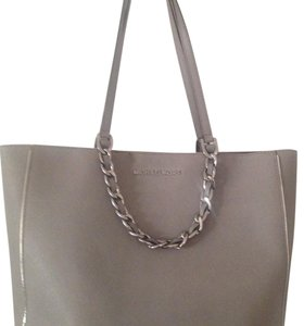 MICHAEL Michael Kors Tote in Silver Grey