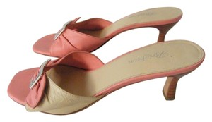 Brighton Leather Kitten Heel Buckle Bow Pink/Beige Sandals
