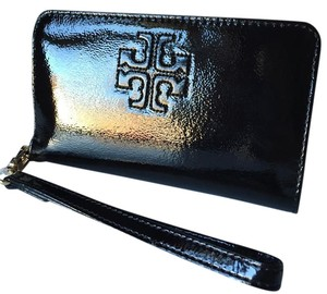 Tory Burch Wristlet in black, gold