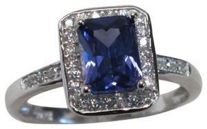 9.2.5 Stunning square tanzanite and white topaz cocktail ring size 8
