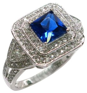 9.2.5 Unique square blue and white sapphire cocktails ring size 8