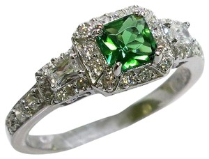 9.2.5 Beautiful green emerald and white sapphire cocktail ring size 8