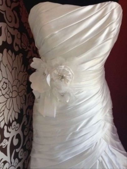 Maggie Sottero Diamond White Satin Cleo Formal Dress Size 10 (M)