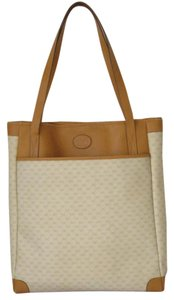 Gucci Extra Large Size Satchel Or Multi-compartment Canvas Leather Tote in ivory and camel