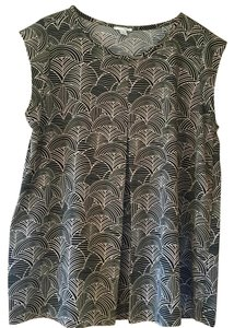 Halogen Graphic Swingy Dress Up Or Down Top black and light pink print