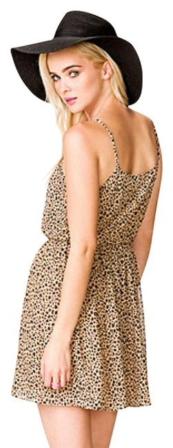 Preload https://item4.tradesy.com/images/forever-21-animal-print-short-casual-dress-size-12-l-200628-0-0.jpg?width=400&height=650