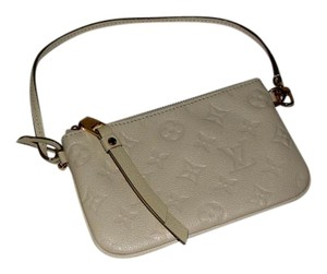 Louis Vuitton Pochette white Clutch