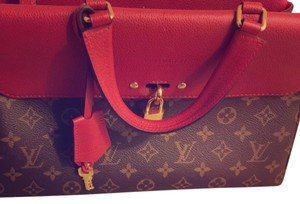 Louis Vuitton Venus 2016 collection- Like new-Monogram Satchel in Red