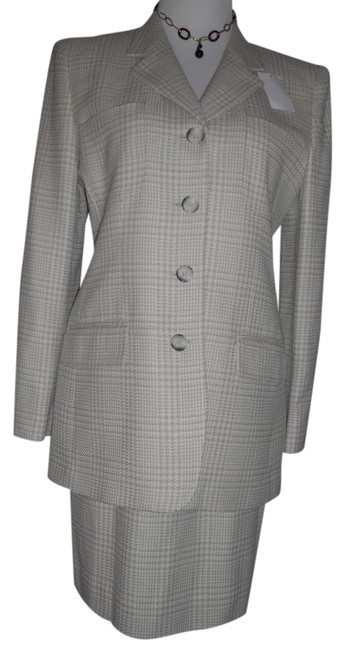 Item - Light Beige / Cream Nwts Excel. Cond. Wool Blend Skirt Suit Size 10 (M)
