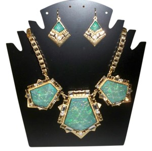 Silver Co. Green Statement Necklace with Earrings Set
