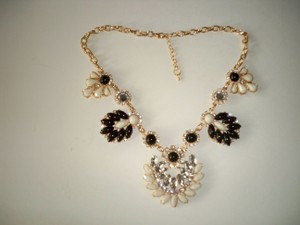 Silver Co Black, Off white, Crystals Necklace