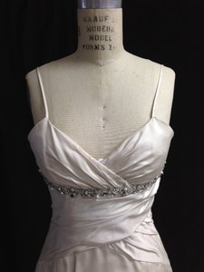 Alvina Valenta Sexy 9756x Silk Duchess Satin Sz 8/10 Wedding Dress