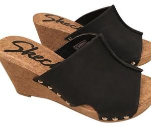 Skechers Excellent Condtion black Sandals