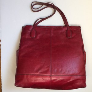 Hobo International Finley Leather Tote in CRIMSON