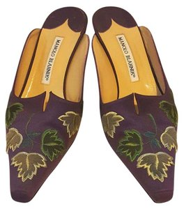 Manolo Blahnik Formal Embroidered Satin Unique Purple Mules