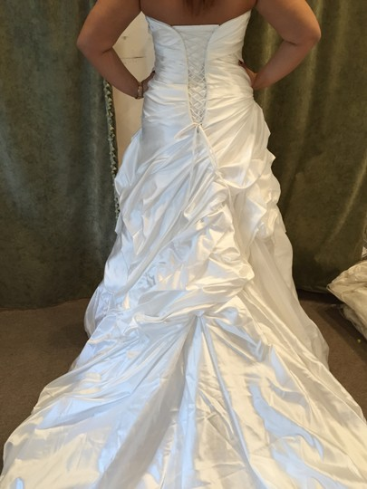Maggie Sottero Diamond White Satin Saratoga Formal Wedding Dress Size 14 (L)
