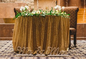11 Gold/champagne Duchess Sequin Table Cloths