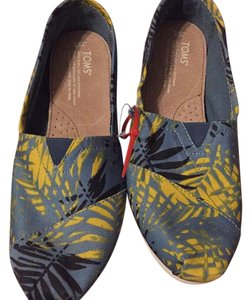 TOMS Multi - blue Flats