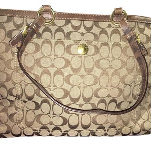 Coach Tote in Beige & Brown
