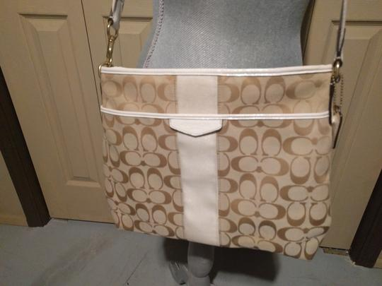 Coach Preowned Monogram Excellent Condition Cross Body Bag