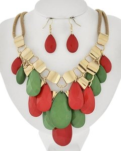 Gold Tone Green & Red Acrylic Necklace & Earring Set