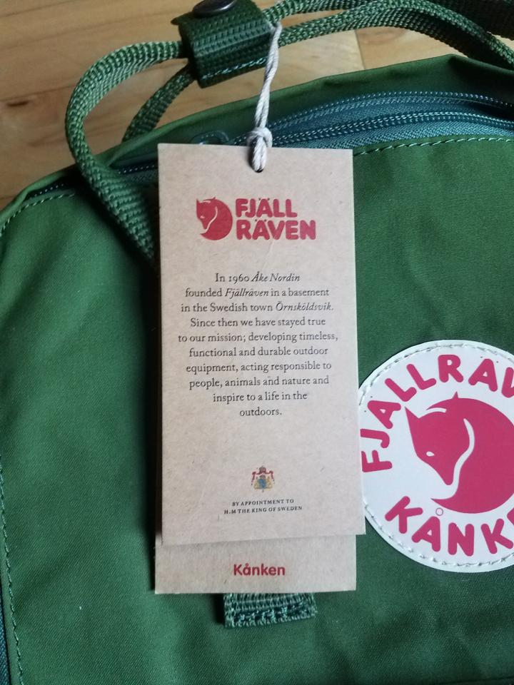 Fjällräven Kanken Classic Leaf Green Polyvinyl Backpack 25% off retail