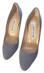 Manolo Blahnik Italy Manolo Hand Made In Italy 38 grey Pumps