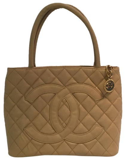 Chanel Vintage Shoulder Tote in Beige Medallion Image 0