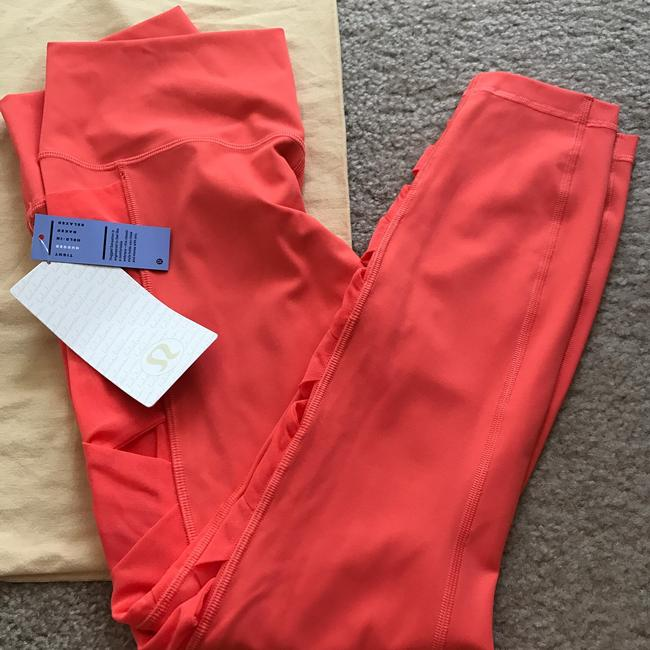 Lululemon Size 8 NWT RISE AND FLOW PANT Image 6