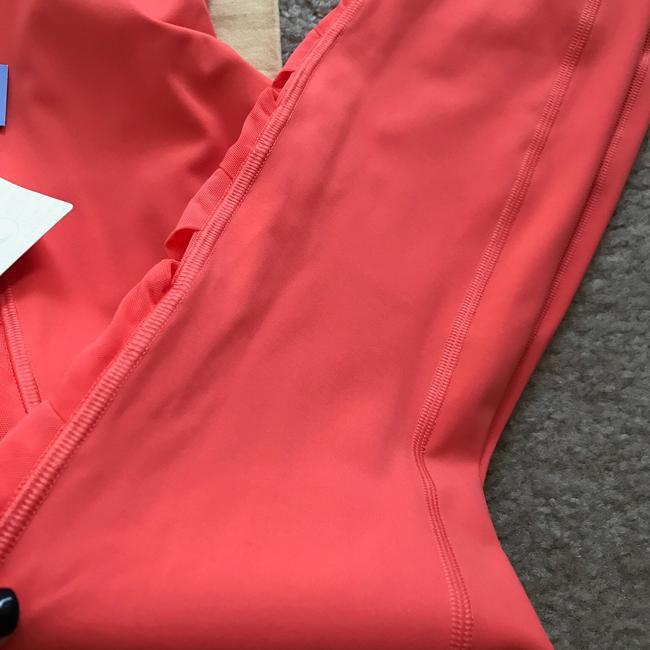 Lululemon Size 8 NWT RISE AND FLOW PANT Image 7