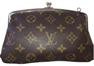 Louis Vuitton Louis Vuitton Kisslock Frech Co. Wallet