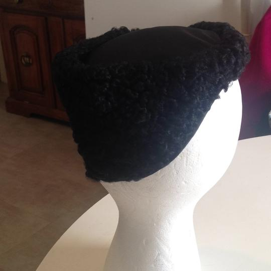 Other flawless vintage Persian lamb hat Image 2