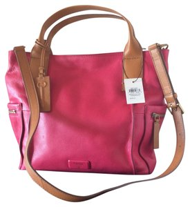 Fossil Satchel in Pomegranate ( Kind Of Hot Pink)