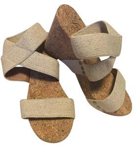 Lucky Brand Wheat/tan Wedges