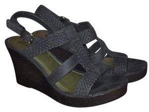 Outlooks Grey Wedges