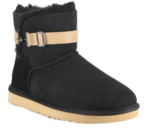 UGG Australia Ugg Aurelyn Short Buckle Black Boots