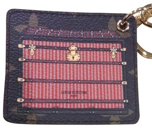 Louis Vuitton Illustre Trunks Key Chain