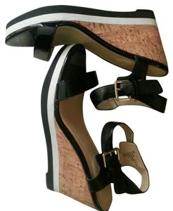 Liz Claiborne Wedge Black/white With Cork like Wedge/platform Wedges