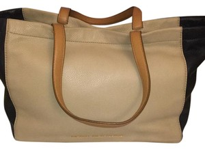 Marc by Marc Jacobs Tote in Tan, Navy Blue And Beige