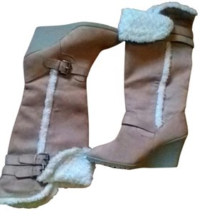 Old Navy Platform Wedge Boot tan Suede with fur trim Boots