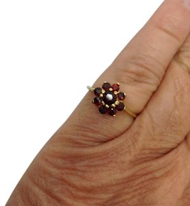 Other Size 7.5, 18k yellow gold, Garnet, Fashion, Cluster Ring