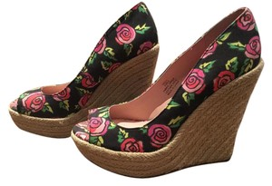 Betsey Johnson black with pink and red flowers Wedges
